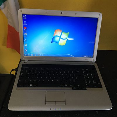 Samsung R530 Laptop Navan PC